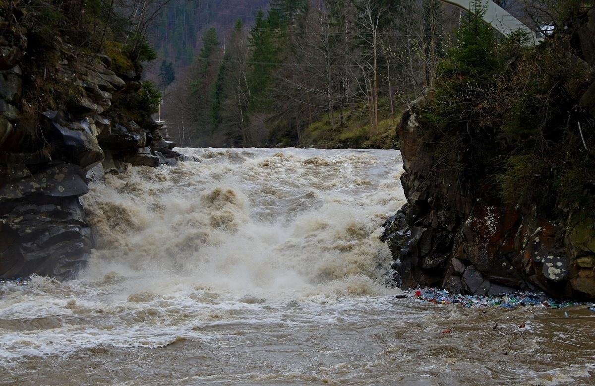 10 секунд в обіймах водоспаду Пробій / Блоґ: Олексій Пономаренко ...